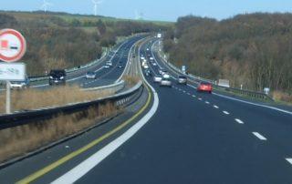 Германия резко увеличит число платных дорог